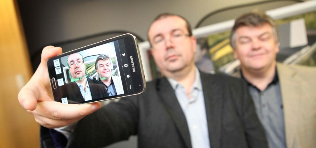 Dr Petronel Bigioi, General Manager of FotoNation; Dr Peter Corcoran, Principle Investigator on the project at NUIG