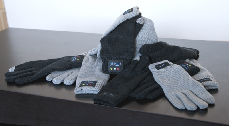 Hi-call bluetooth gloves in various colours