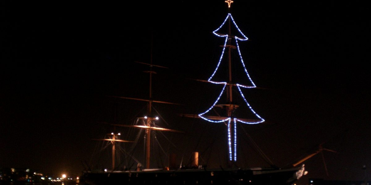 HMS_Warrior_Christmas_lights