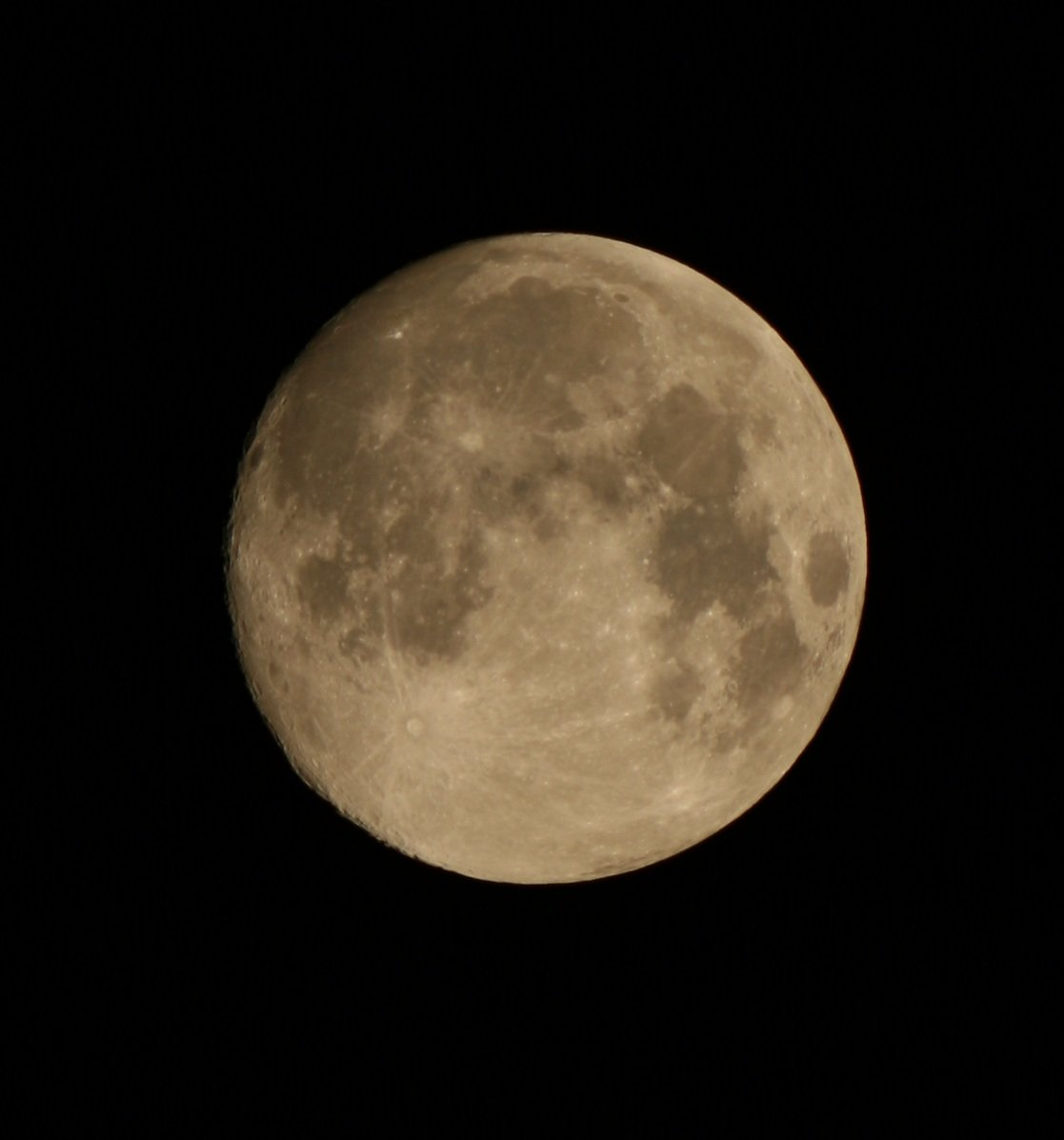 Last night's supermoon, photographed by David Moore of Astronomy Ireland www.astronomy.ie