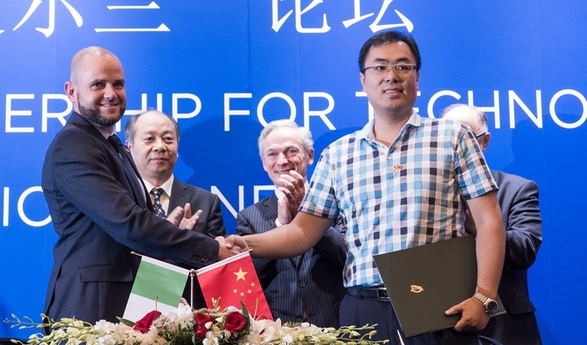 Pictured at the official signing of Arralis & Bluesky Aviation contract in China: (Left to right) Barry Lunn, CEO Arralis; Wang XiaoKang, Chairman CECEP; Minister for Jobs, Enterprise and Innovation, Richard Bruton TD; Yongkun Wang, CEO Bluesky Aviation Technology; Ambassador of Ireland to the People's Republic of China, H.E. Paul Kavanagh