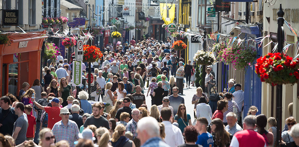**NO REPRO FEE** Crowds on O'Connell street during the Fleadh 2016 in Ennis on Tuesday. Photograph by Eamon Ward